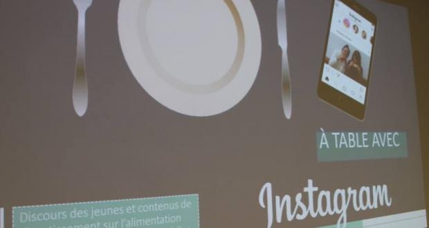 Présentation PowerPoint de Monique Caron-Bouchard à table avec Instagram